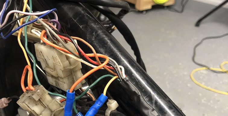 Weekend Tinkering – Re-wiring the Sporty
