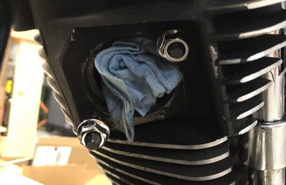 Replacing the Exhaust Studs