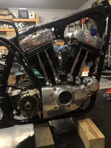 Gear cover and oil lines