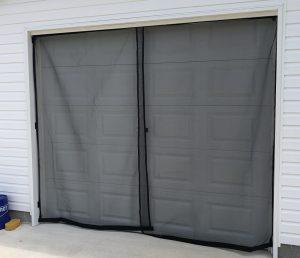 Garage screen with the door closed.